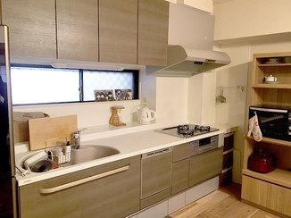 キッチンリフォーム 水廻り機器を一新し、料理をするのが楽しみになったキッチン
