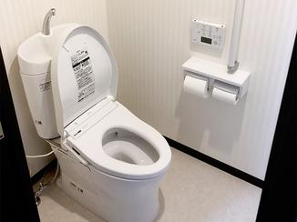 トイレリフォーム 便器・便座を独立させて、メンテナンスが容易になったトイレ