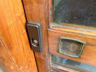 小工事 防犯性に優れた2重の鍵で安心できる玄関ドア
