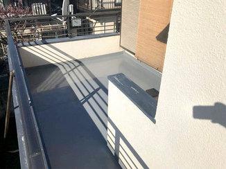 外壁・屋根リフォーム 漏水の心配がなくなり台風の日も安心できるベランダ防水塗装
