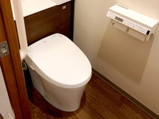 トイレリフォーム 余分なものを隠してスッキリ。希望日に合わせ1日で完成したトイレ