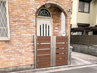 エクステリアリフォーム 雨にも強く長持ちする樹脂製のフェンス&門扉