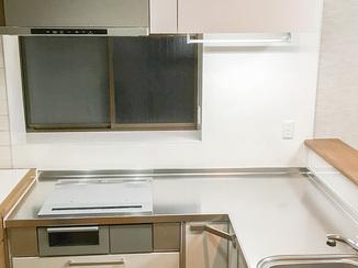 キッチンリフォーム 使用者に合わせ使い勝手の良い高さで仕上げたキッチン