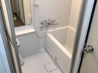 バスルームリフォーム 入居者がいる賃貸物件のバスルームを1日でリフォーム