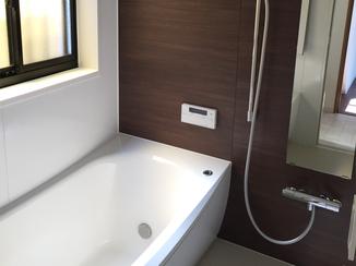 バスルームリフォーム ゆったりした雰囲気で一日の疲れもしっかり癒せる浴室