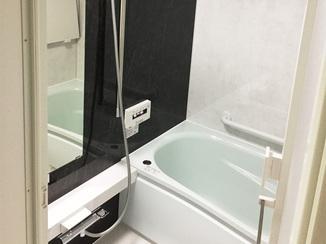 バスルームリフォーム バリアフリー仕様で将来も安心のバスルーム