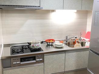 キッチンリフォーム 大満足のスタイリッシュなキッチン&トイレ