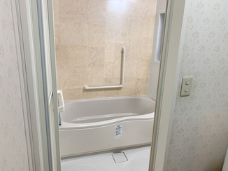 バスルームリフォーム 助成金を活用したバリアフリーのバスルーム