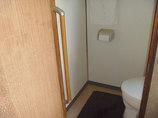 小工事トイレから立ち上がりやすい、ちょうどいい位置の手すり