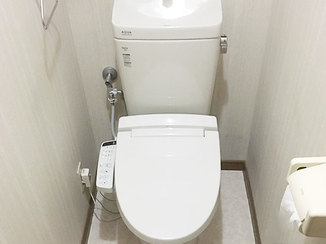 トイレリフォーム 短期間で快適に使えるようになった2つのトイレとキッチン設備