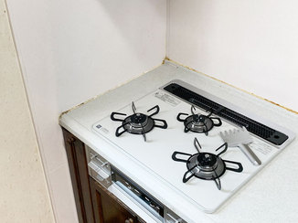 小工事 予算内で叶えた使いやすいガスコンロとレンジフード