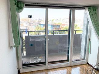 内装リフォーム 在宅ワークが快適な部屋に!電車の騒音を軽減する内窓