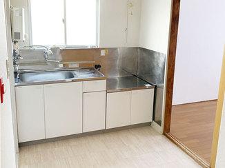 キッチンリフォーム 今後の原状回復コストが抑えられる、アパート2部屋のリフォーム