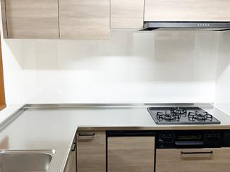 キッチンリフォーム 水廻りを一新し、明るく快適になったお部屋