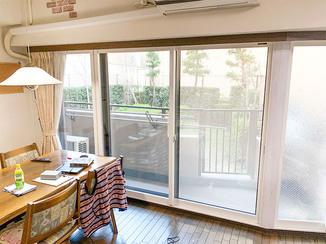内装リフォーム 気密性を高めた角度つきの内窓