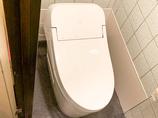 トイレリフォーム触らずにフタの開閉と洗浄ができる、衛生的なトイレ