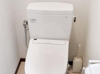 トイレリフォーム 水漏れを解消した明るく掃除がしやすいトイレ