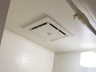 小工事 静かな音で稼働する換気扇