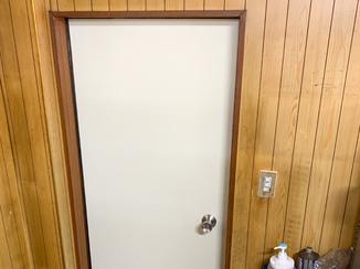エクステリアリフォーム 予算をおさえて取替えた勝手口ドア