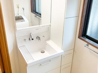 洗面リフォーム 収納がしっかり入る、使いやすい洗面化粧台