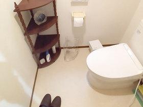 トイレリフォーム内装もあわせて一新しカビに強くなったトイレ空間