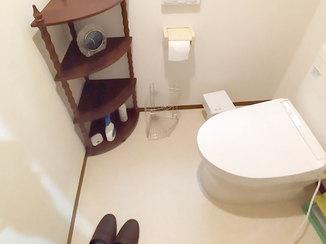 トイレリフォーム 内装もあわせて一新しカビに強くなったトイレ空間